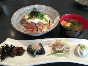 05_カツオタタキ丼