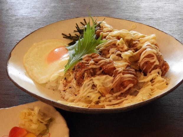06照り焼きチキン丼